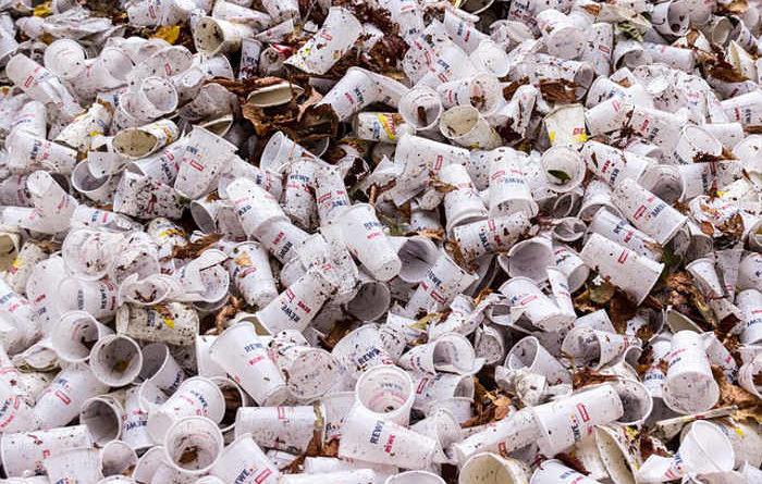 plastic cubs waste